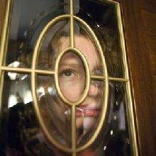 Фильм Филипе Пульмане «Золотой компас» стал предметом тяжбы между киностудией New Line Cinema и компанией Koch Entertainment