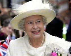Королева Великобритании Елизавета II пожала руку ВИЧ-инфицированному африканцу