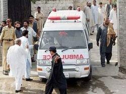Пакистанские смертники взорвали автобус и проходную, 20 человек погибли