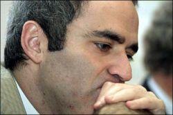 Назад, в 37-й год: несогласный Гарри Каспаров получил пять суток ареста