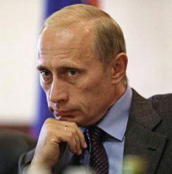 Владимир Путин увеличил пособие роженицам и упростил дачную амнистию