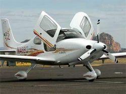 В аэропорту Миннесоты взорвался четырехместный самолет Cirrus SR22