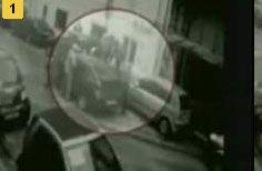 Съемка камеры наблюдения: в центре Москвы водитель расстрелял пешеходов (видео)