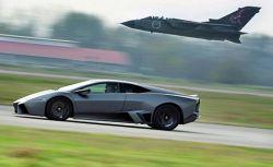 Lamborghini решил посостязаться с военным самолётом