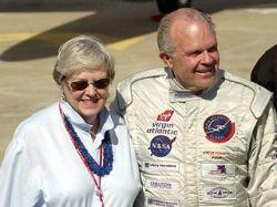 Супруга американского рекордсмена-авиатора Стива Фоссетта подала иск в суд с требованием признать его погибшим