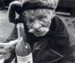 Росстат: Алкоголя в России покупают больше, чем хлеба