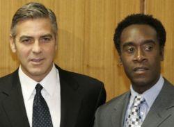 Актеры Джордж Клуни и Дон Чидл - нобелевские лауреаты