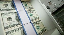 Банки отказываются от кредитов в долларах