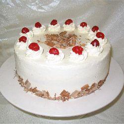 Житель Красноярска отобрал у прохожего торт, чтобы сесть в тюрьму