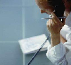 Каково влияние различных услуг операторов на качество общения?