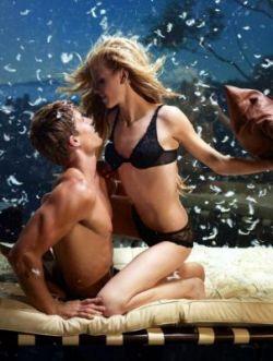 Самые известные модели Victoria's Secret снялись для фирменного календаря (фото)