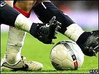Пять человек арестованы по подозрениям в коррупции в футболе