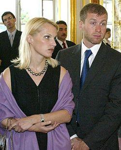 """Похоже, митрополит Кирилл, придумал награду \""""За чадолюбие\""""  специально для бывшей жены Романа Абрамовича"""