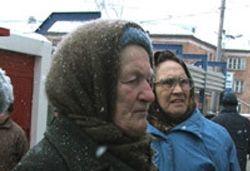 Власти улучшат материальное положение стариков в обмен на их квартиры