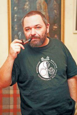 Сын Натальи Дуровой Михаил Болдуман продает бриллианты Екатерины II, доставшиеся от матери