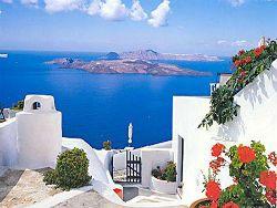 Инвесторы все охотнее скупают греческую недвижимость
