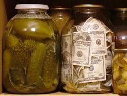 Новость на Newsland: Пенсия: назад к трехлитровым банкам?