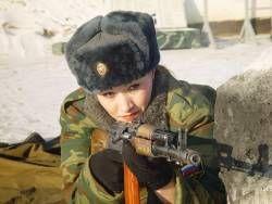 Девушка пошла служить в армию вслед за любимым