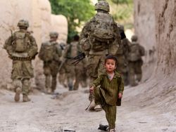 Опрос: нужно ли России посылать свои войска в Афганистан?