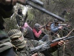 Сирийский повстанец подбил правительственный танк через дуло