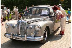 Крупнейшее собрание ретроавтомобилей в Екатеринбурге под угрозой