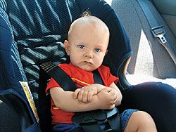Почему российские водители не устанавливают в автомобилях детские кресла