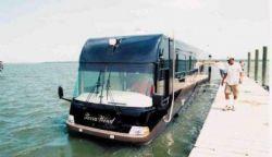 Terra Wind – автобус, плавающий по воде (фото)