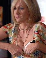 Джоан Роулинг (Joanne Rowling) показала детям нижнее белье (видео)