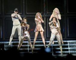 Spice Girls начали мировой концертный тур (фото)
