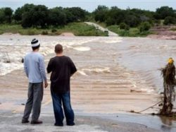 В США ураган оставил без электричества десятки тысяч домов
