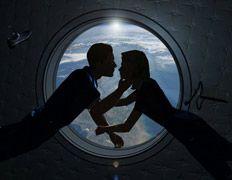 """Российский ЦУП опроверг сообщения СМИ: \""""Космонавты никогда не занимались сексом на орбите\"""""""