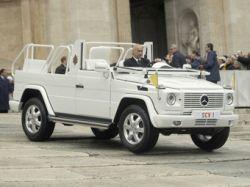 Mercedes-Benz разработала для Папы Римского Бенедикта XVI новый папамобиль