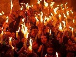 Новость на Newsland: В храме Гроба Господня сошел Благодатный огонь