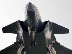Новость на Newsland: Китай пытается догнать США по авианосцам и стелс-истребителям