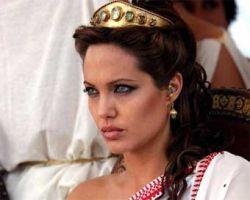 Анджелина Джоли возглавила список самых сексуальных актеров