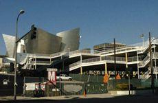 Фрэнк Гери - автор здания, которое покрылось плесенью, начинает новый проект стоимостью $3 млрд под названием The Grand