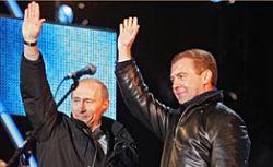 """Эксперты не исключают, что имя \""""настоящего\"""" преемника россияне узнают лишь накануне мартовских выборов"""