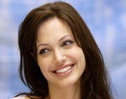 Филиппинские фермеры отправили письмо в ООН с просьбой направить в регион посла доброй воли Анджелину Джоли