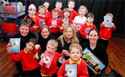 Британским школьникам запретили поздравлять одноклассников с Рождеством