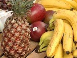 Во Франции ананасы, табак и молоко стали дарами моря