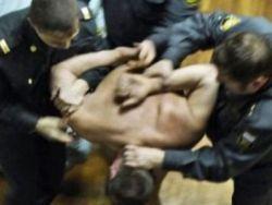 Новость на Newsland: В Казани майор полиции пытал подростка и подкупил свидетеля
