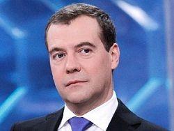 Медведев: у меня претензий к Суркову нет