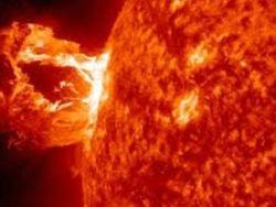Вспышки на Солнце: повышение уровня радиации для космонавтов