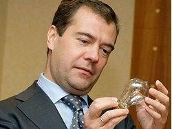 Медведев заявил о стабильности российской энергосистемы