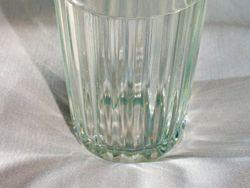 Пациенты проктологов нашли новое применение граненому стакану