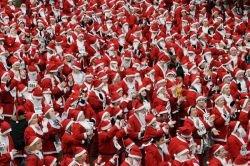 Нью-Йорк захватили Санта-Клаусы
