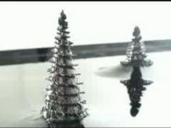 Японская скульптура из феррофлюидов и магнитного поля (видео)