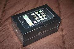 Apple iPhone идет в розницу без оператора