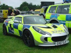15 самых крутых полицейских автомобилей (фото)