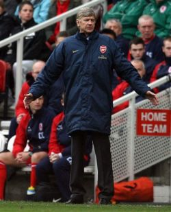 После минувшего тура в английском чемпионате не осталось не проигрывавших команд